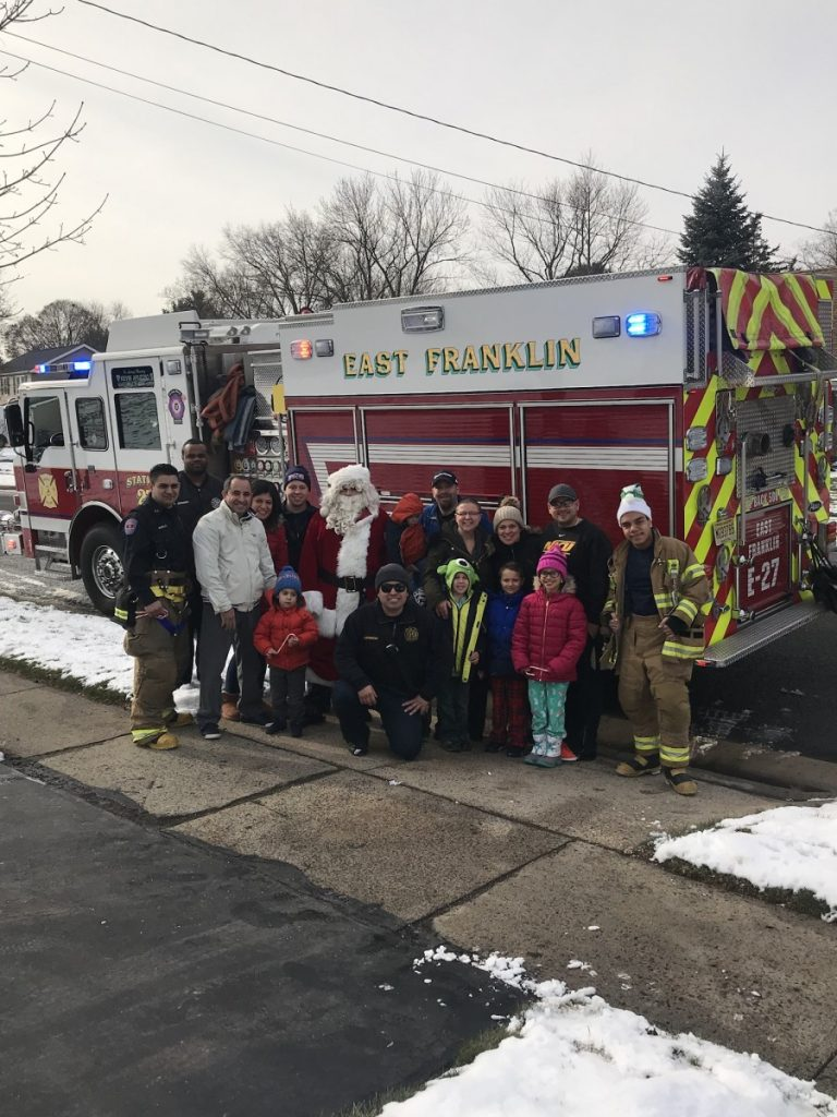East Franklin participates in the annual Santa Run for 2017